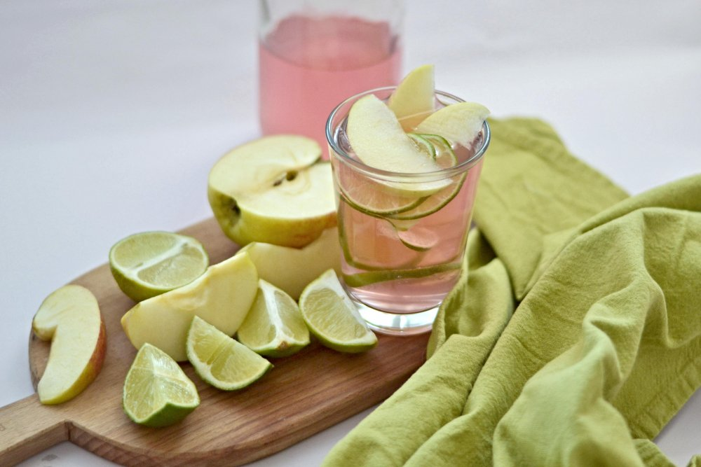 Domácí vodní kefír WUGI - jablečno-limetkový