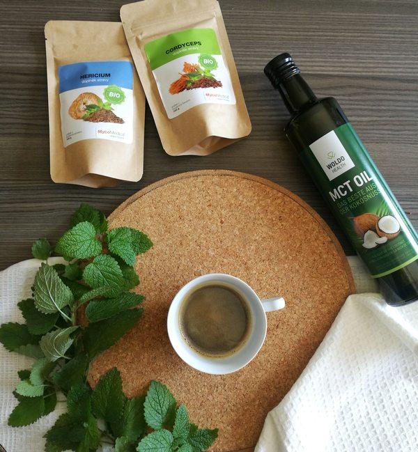 Káva s vitálními houbami - cordyceps a hericum + MCT olej - WUGI.cz