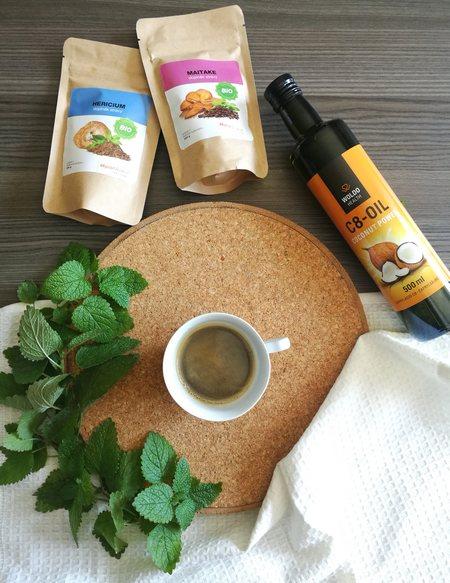 Káva a hericium a maitake