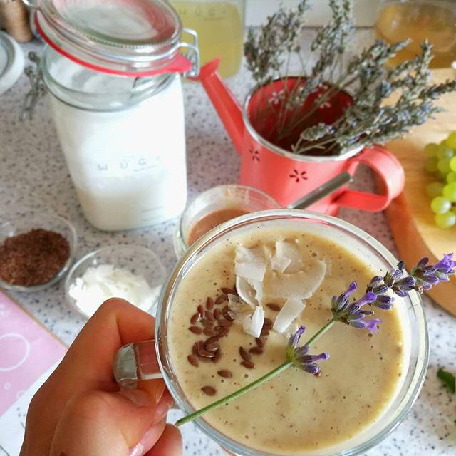 Kurkumové smoothie s kokosovým kefírem WUGI (vegan)